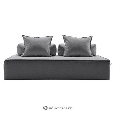 Salės sofa (ponia)