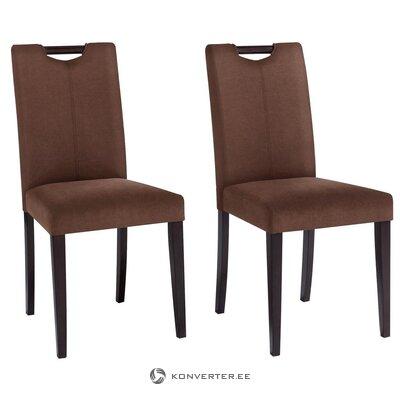 Ruda odinė kėdė su medinėmis kojelėmis