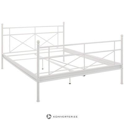 Balta metāla gulta (krūšu kurvis) (90x200cm). (vesels, kastē)