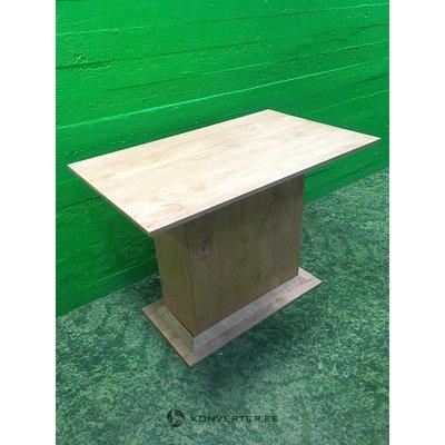 Neliels gaišs masīvkoka pusdienu galds