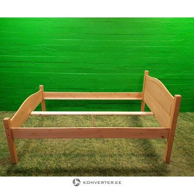 Šviesos kietos medienos lovos (140x200)