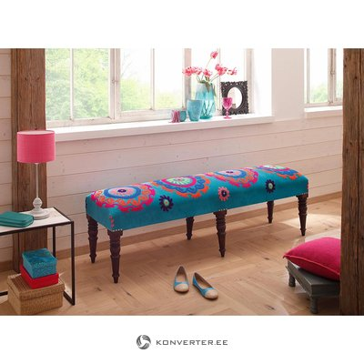Colored bench (thana)