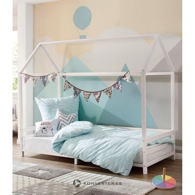 White solid wood cot