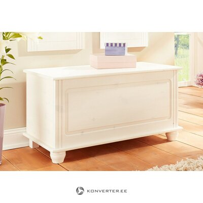 White solid wood coffin (finca)