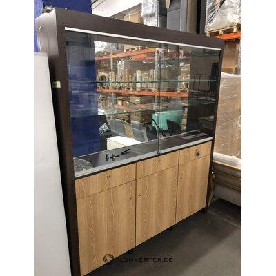 Большой стеклянный шкаф-витрина с ящиками и дверцами