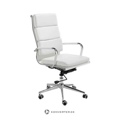 White office chair (angel cerdá)