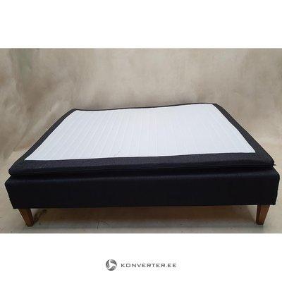 Jenku gulta