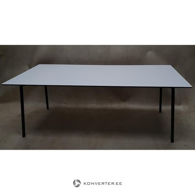 Black and white dining table (boconcept)