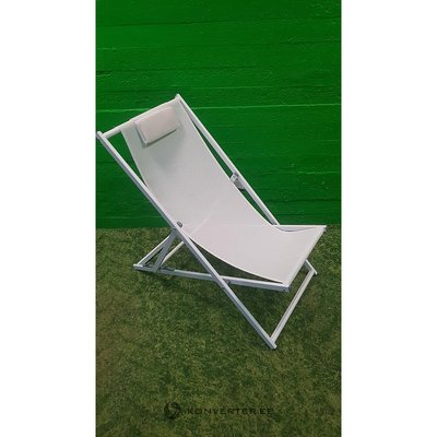 White Lounger 3 with a seat