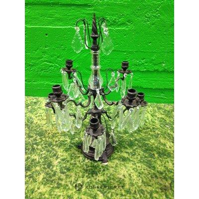 Teräksinen kynttilänjalka lasihelmillä