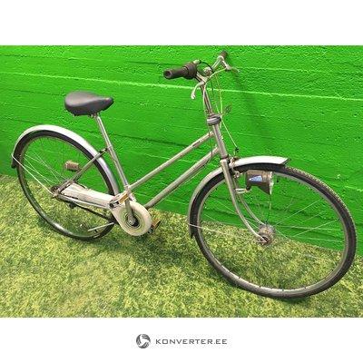Серебряный ретро-велосипед Бетти