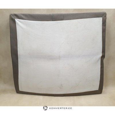 Pelēkbalts liels matracis