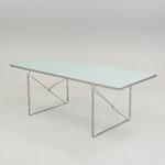 Stiklinis stalas su metaliniu rėmu