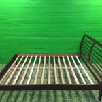Defektiga tumepruun puidust voodi ORSON 160x200