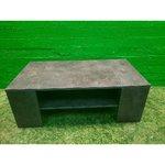 Akmens izliekts akmens dīvānu galds