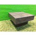 Kivi-liotettu sohvapöytä