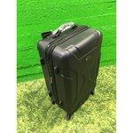 Plastikkattega väiksem reisikohver (must)