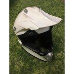 Белый шлемофон