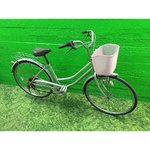 Silver 6-speed bike with basket and dyna lamp