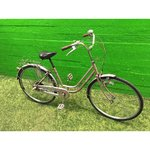 Pink retro bike with 3 gears
