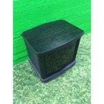 Must väike TV-kapp klaasustega