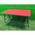 Padomes kabinets / pusdienu galds ar sarkanu plāksni